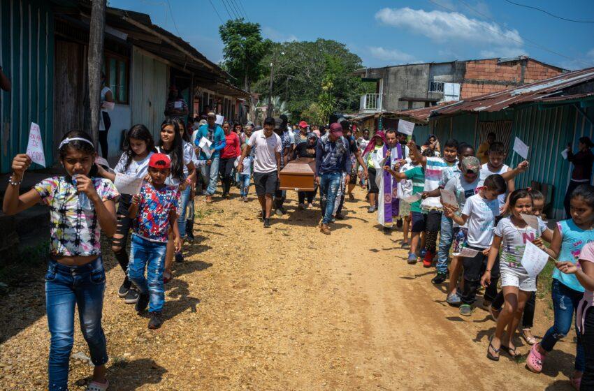 A cinco años del acuerdo de paz, los niños de Colombia siguen atrapados en el conflicto
