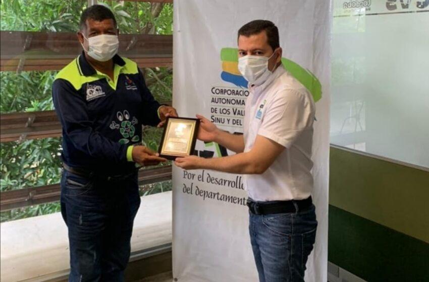Director General de la CVS Orlando Medina, hizo entrega de reconocimiento a las Asociaciones de Recicladores  de Montería