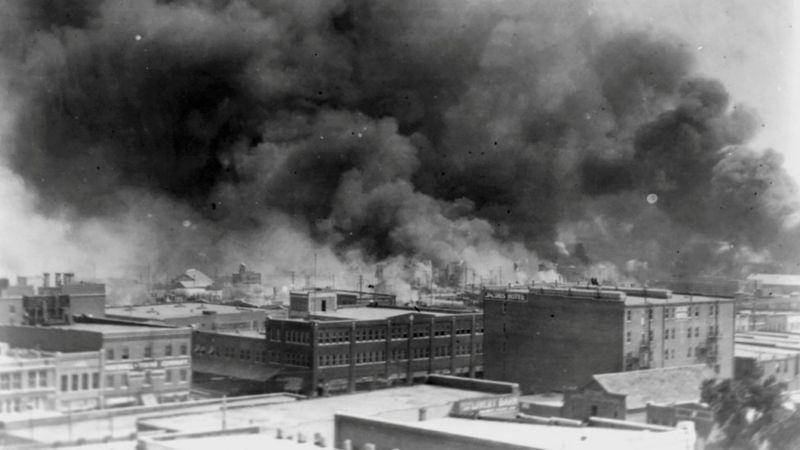 """Masacre de Tulsa: qué ocurrió en la oculta matanza del """"Wall Street negro"""", uno de los peores crímenes racistas en la historia de EE.UU."""