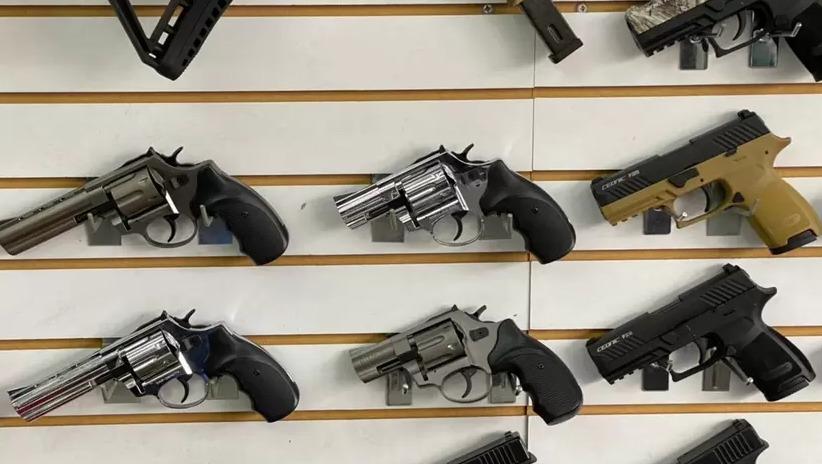 Gobierno tiene listo el decreto que prohíbe el uso de armas traumáticas en el país